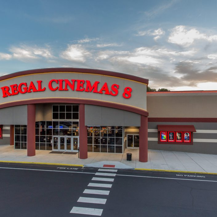 Picture of front of Regal Cinema.