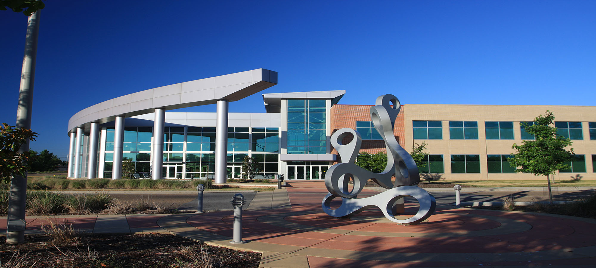 Picture of the outside of CSCC's Health Sciences Center